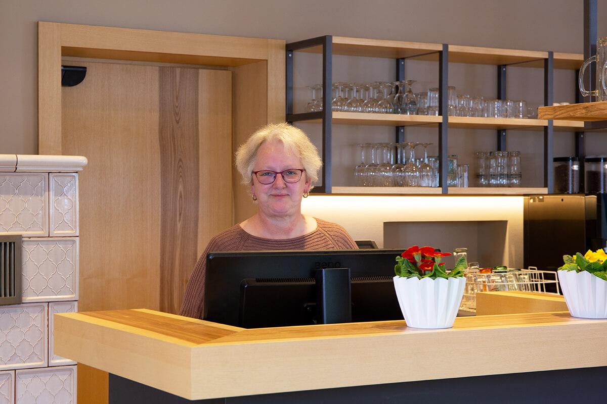 Monika Holitsch heißt Sie herzlich willkommen im Gasthof Rebstock in Stetten am Bodensee!